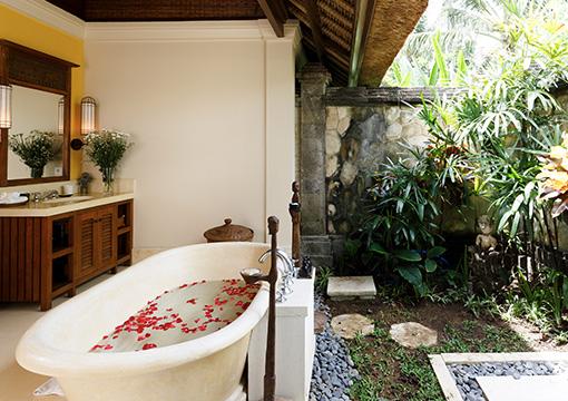 Villa Maridadi - Guest suite bathroom